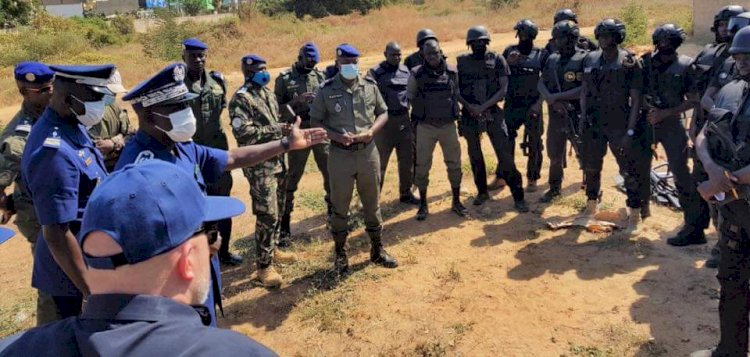 Senegal / USA: Formation of two Senegalese Police Units by the Americans.