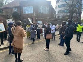 Buhari's Supporters Storm Abuja House In London
