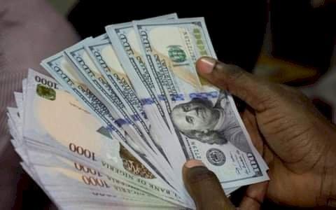 BREAKING: Naira bounces back, now N470/$ in parallel market