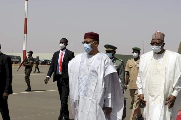 Niger's new President, Mohamed Bazoum, visits Buhari